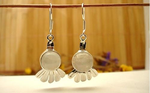 Boucles d'oreille argent et pierre de lune.