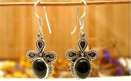 Boucles d'oreille et Onyx noire.